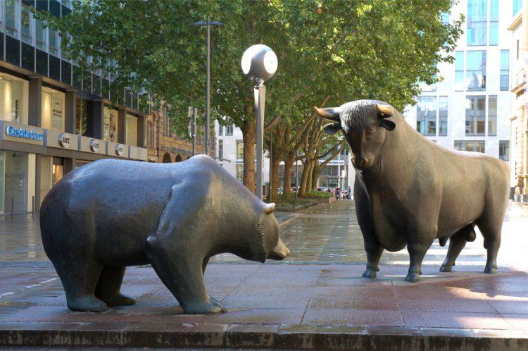 Bull and Bear in Frankfurt - avatars of the market's animal spirits